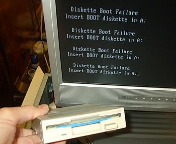 Something wrong with this 1.44Mb floppy disk drive. Will not boot and keeps getting diskette boot failure message and Insert BOOT diskette in A: